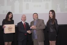 Calonaci riceve il premio dall'Assessore allo Sport Biuzzi